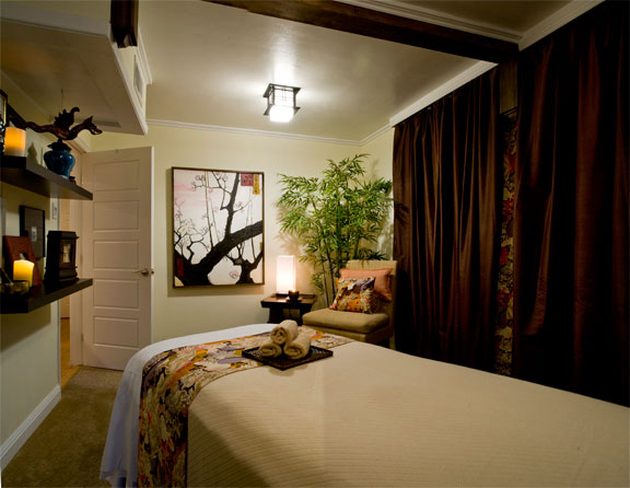 massage room at zen sanctuary san diego's #1 welness center for massage, acupuncture, skincare